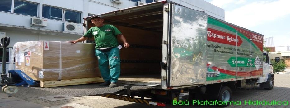 Locação de caminhão baú plataforma hidráulica